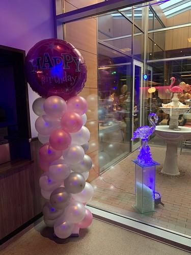 Ballonpilaar Breed Rond Happy Birthday Flamingo Hoogvliet Rotterdam