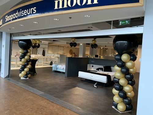 Ballonpilaar Rond Moon Alexandrium Rotterdam