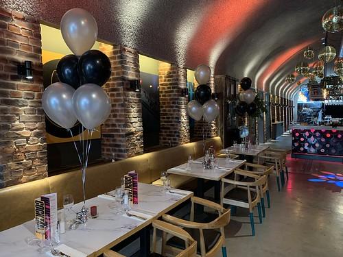 Tafeldecoratie 6ballonnen Restaurant Jack Rotterdam