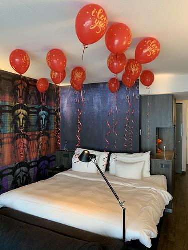 Heliumballonnen Huwelijksaanzoek Mainport Hotel Rotterdam