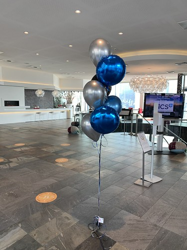 Ballonboeket Blauw Zwart Zilver Mainport Hotel Rotterdam