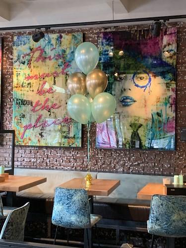 Tafeldecoratie 6ballonnen Wijnbar 1nul8 Rotterdam