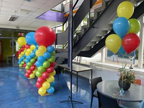 Ballonpilaar Breed Rond En Tafeldecoratie 6ballonnen Stephanusschool Rotterdam