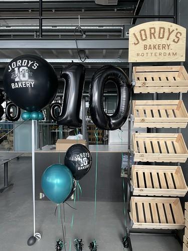 Cloudbuster Rond Folieballon Cijfer 10 Tafeldecoratie 6ballonnen Bedrukt 10 Jarig Jubileum Jordys Bakery Rotterdam
