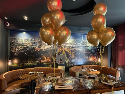 Tafeldecoratie 6ballonnen Chrome Goud The Harbour Club Rotterdam