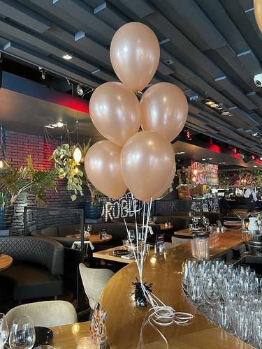 Tafeldecoratie 6ballonnen Rose Goud The Oysterclub Rotterdam