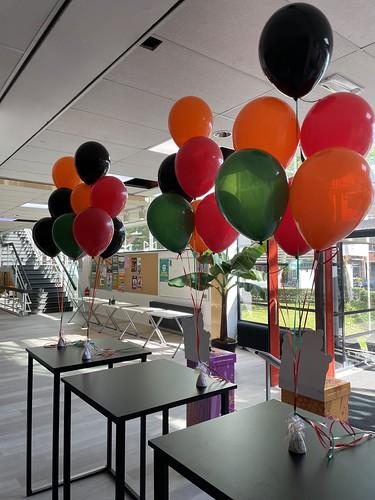 Tafeldecoratie 6ballonnen Thomas More Hogeschool Rotterdam