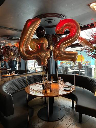 Folieballon Cijfer 42 The Oyster Club Rotterdam